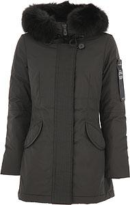 페트레이 여성 다운자켓