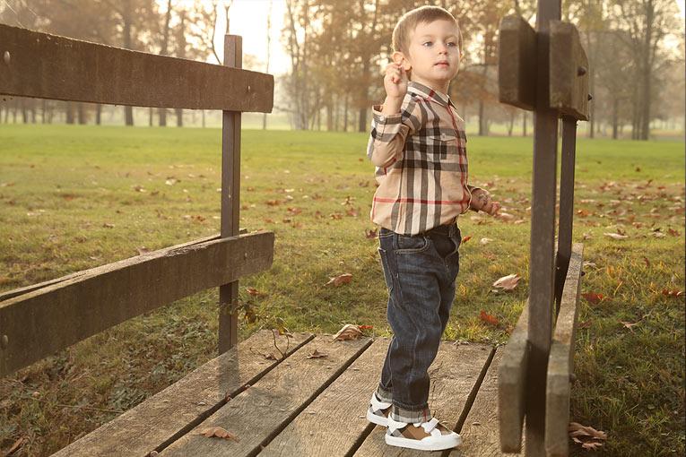 Burberry男童宝宝服装