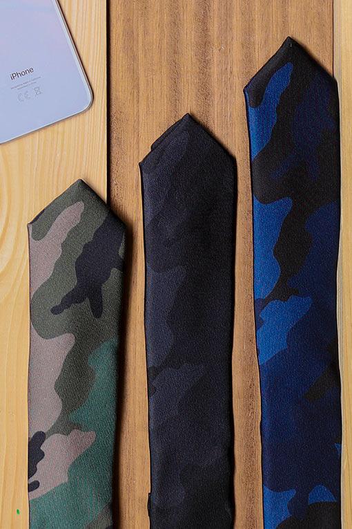 Cravates Valentino