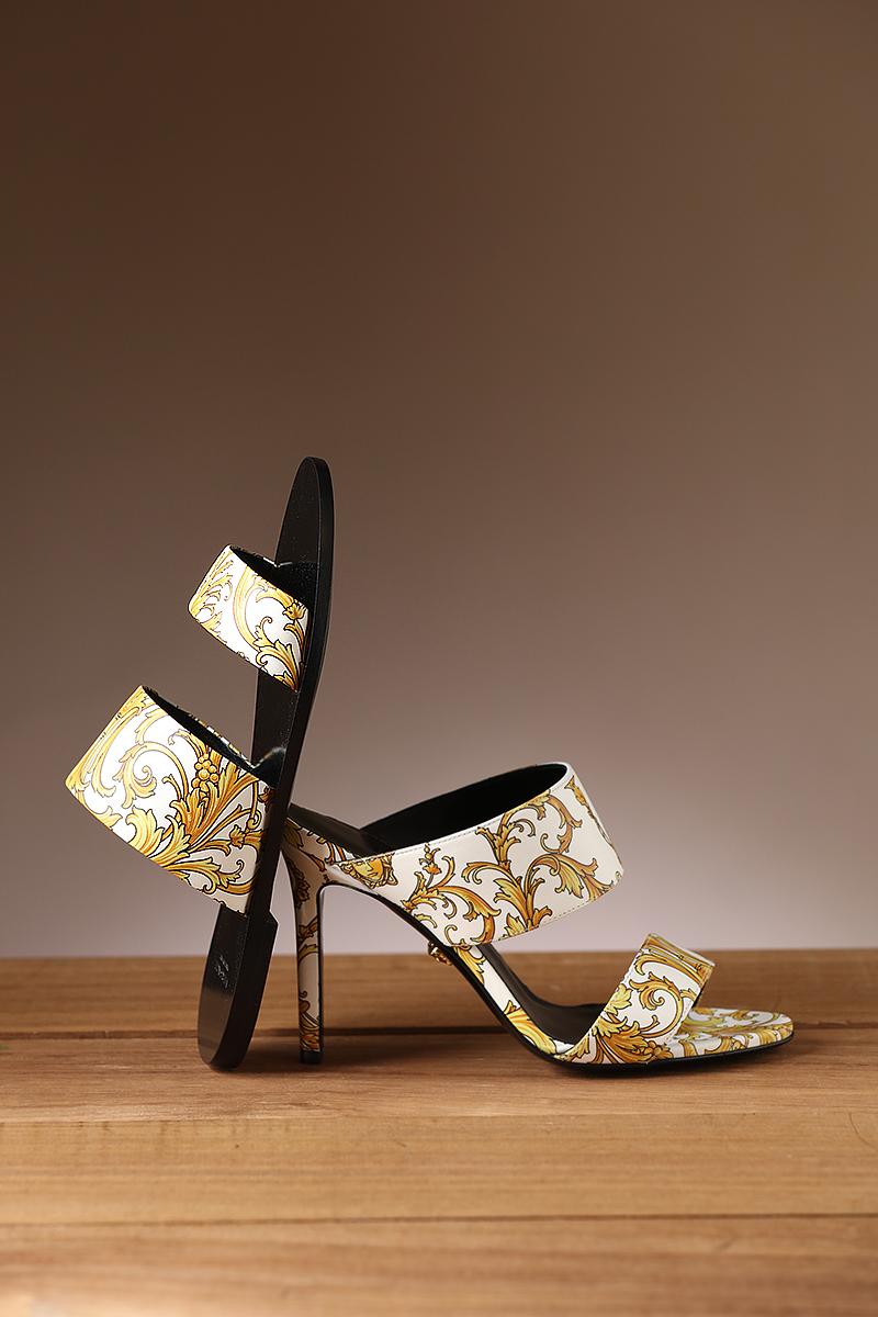 ジャンニ ヴェルサーチ 靴